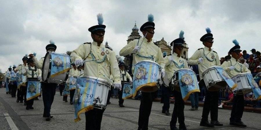 Desfile cívico escolar del 15 de septiembre
