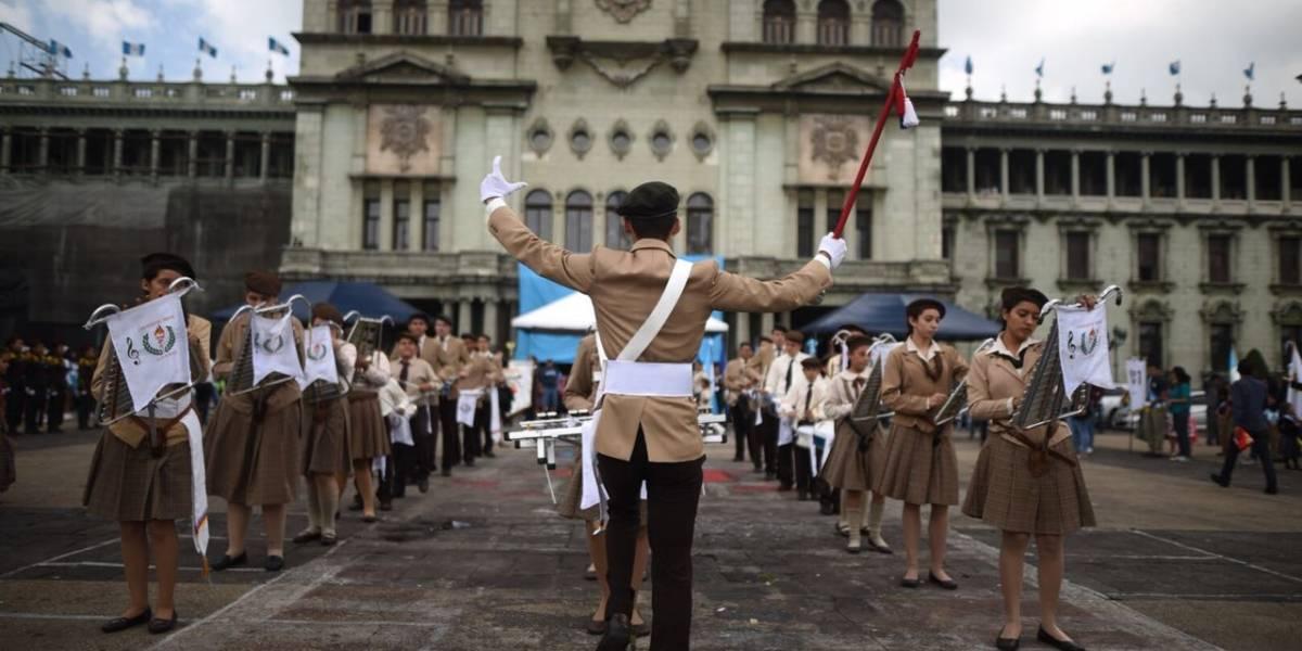 Verificarán que en desfile de Independencia no se muestren mantas contra el Presidente