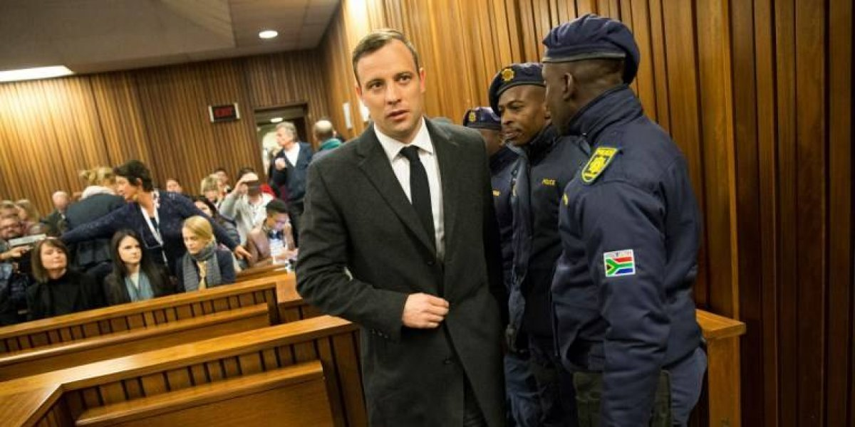 """Sangrientas escenas causan polémica en lanzamiento de documental de """"Pistorius"""""""