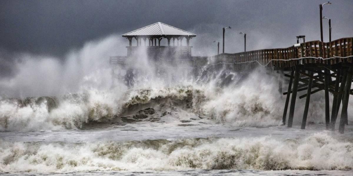 EN IMÁGENES. Vientos y lluvia de huracán Florence comienzan a azotar a Carolinas