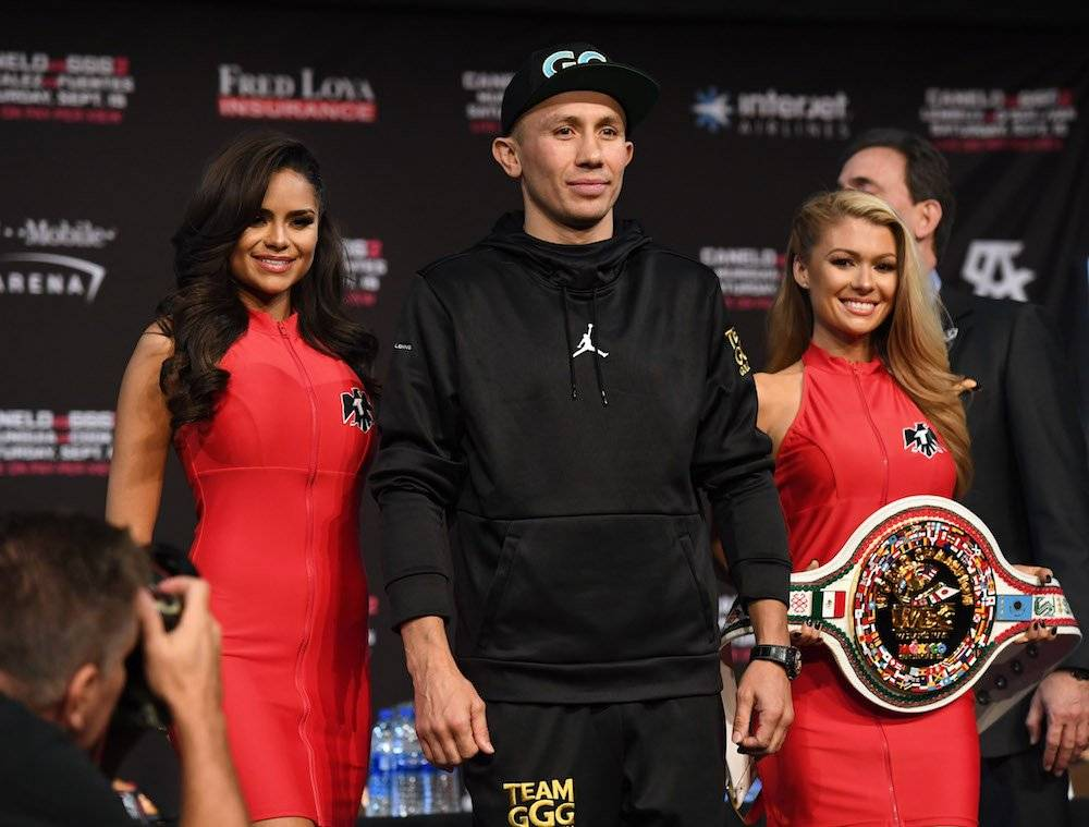 Janira Gaxiola-kremets y Billie Jo Powers acompañan a Golovkin Getty Images