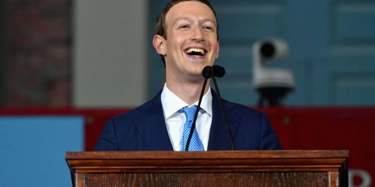 """Mark Zuckerberg se pone el parche antes de la herida y elabora manual para combatir las """"fake news"""" en las elecciones"""