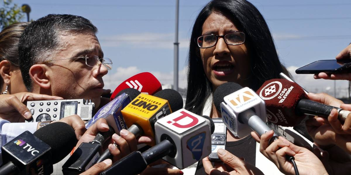 Andrea Utreras presentó denuncia en Fiscalía sobre cobros indebidos en Asamblea Nacional