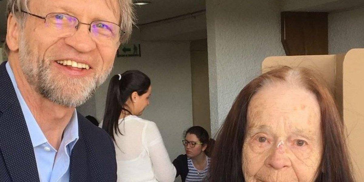 Falleció la mamá del senador Antanas Mockus
