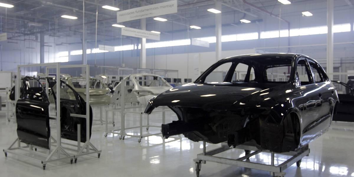 Cae producción de autos tras 15 meses con ventas a la baja: AMIA