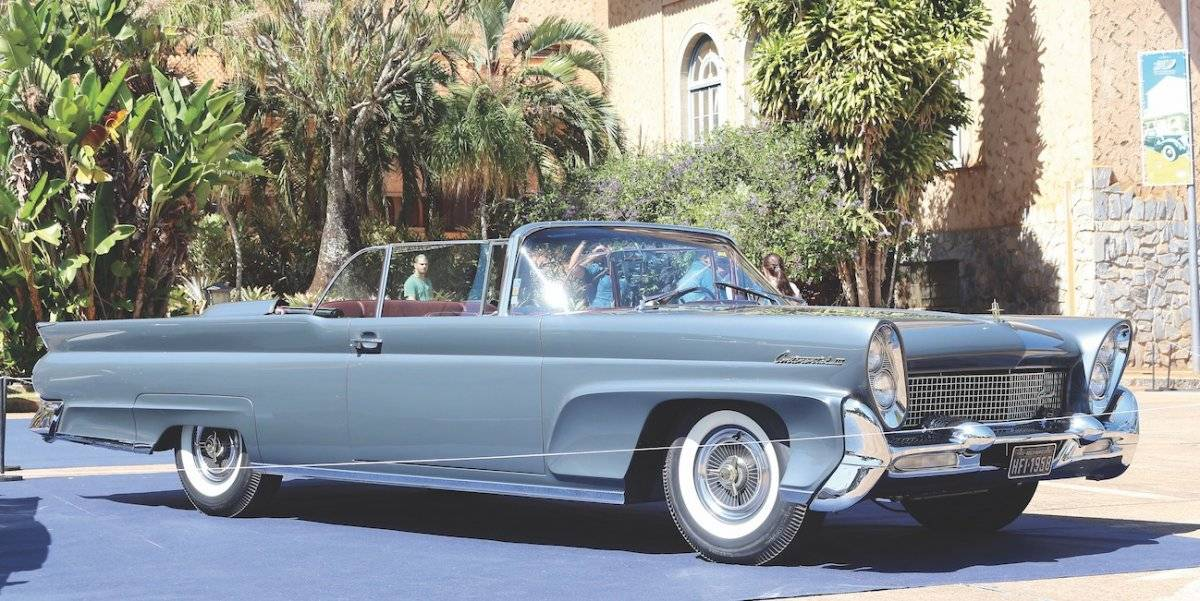 Lincoln Continental 1958 é um símbolo da opulência dos automóveis norte-americanos | Alexandre Carneiro/AutoPapo
