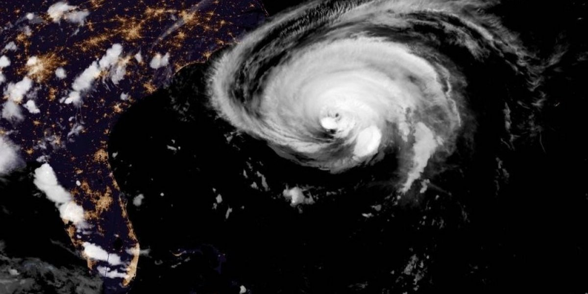 Florence pierde fuerza y se degrada a huracán categoría 2