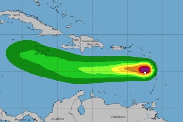 Foto de trayecto de Isaac en su ruta al Caribe