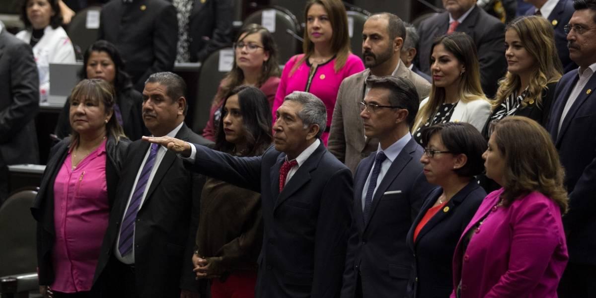 Avalan ley para que funcionarios no ganen más que el Presidente