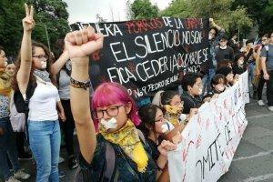 Estudiantes de la ENAH toman el Museo de Antropología