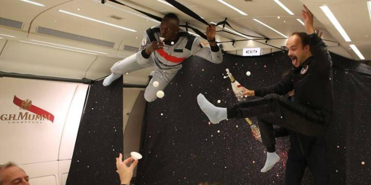 VIDEO. Usain Bolt toma el reto de correr en un avión sin gravedad