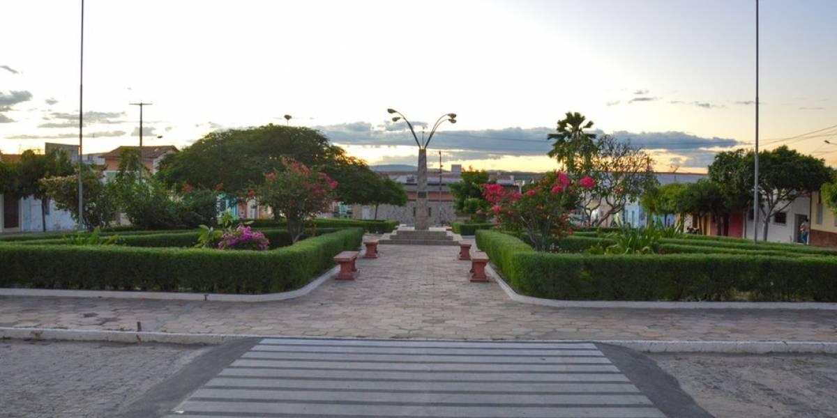 A pequena cidade brasileira que tinha maconha plantada até na praça principal