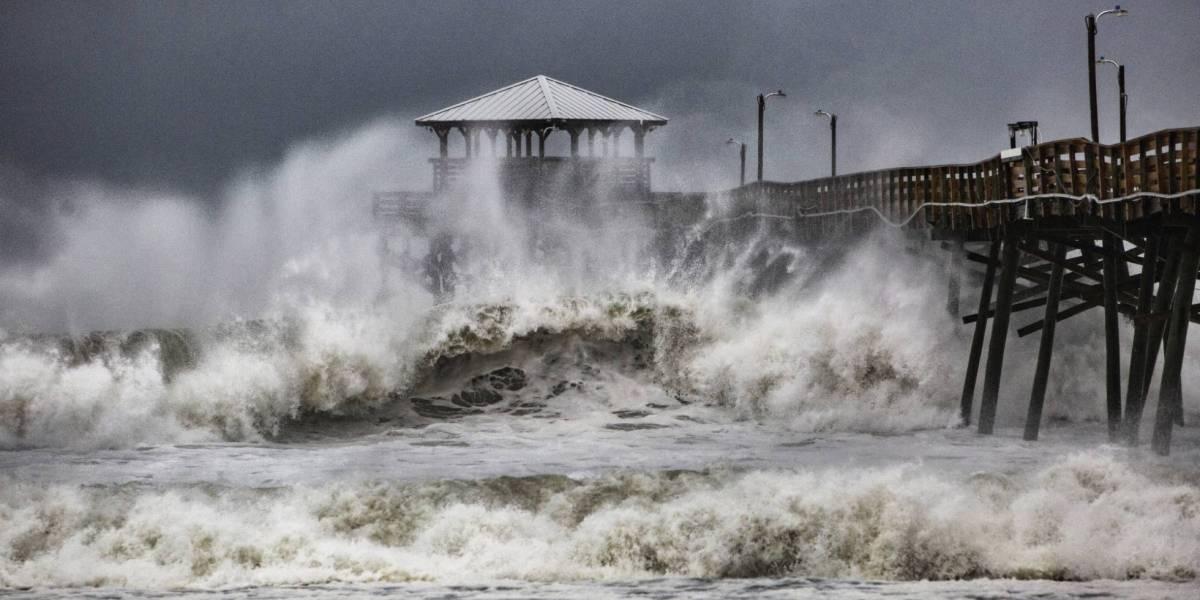 Imágenes y videos: Huracán Florence toca tierra en Carolina del Norte