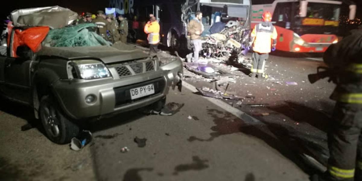 Fatal accidente en Ruta 68: choque entre camión, bus y camioneta deja dos víctimas fatales en Lomas de Lo Aguirre