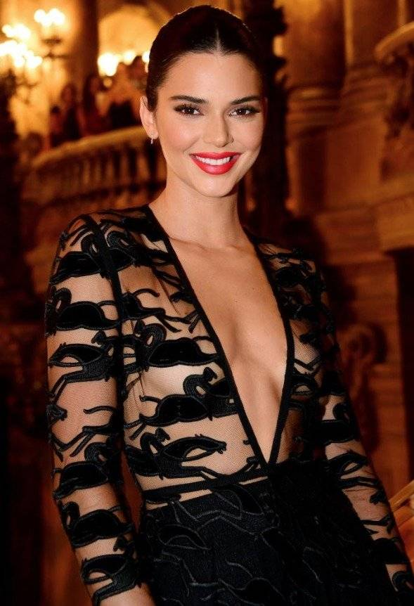 Kendall Jenner y sus transparencias