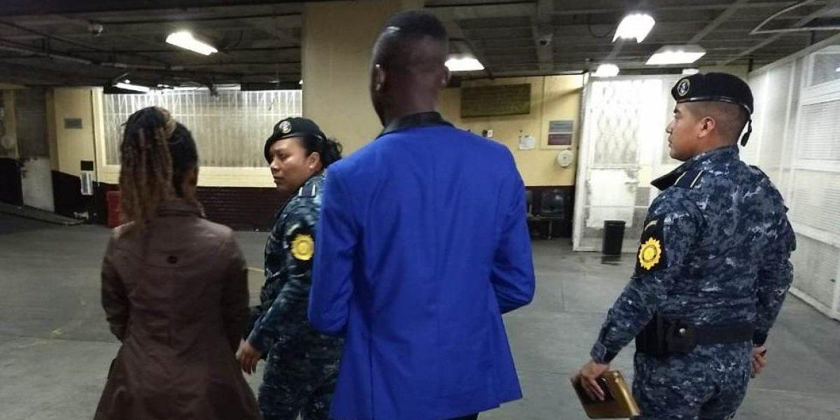 Ciudadanos de Camerún son detenidos en Guatemala señalados de utilizar visas falsas