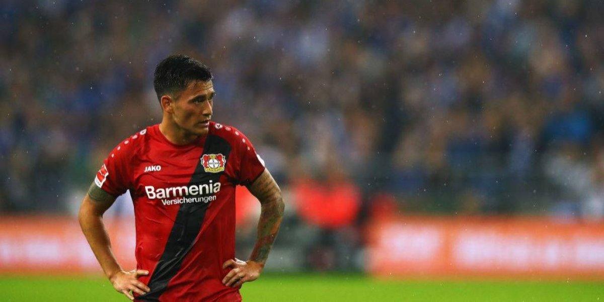 Charles Aránguiz vuelve a ser baja por lesión en el Bayer Leverkusen