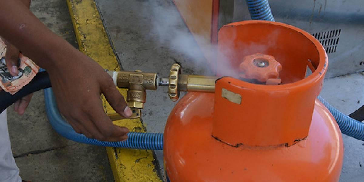 MICM anuncia rebajas en las gasolinas, pero el GLP subirá 1 peso