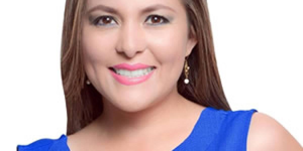 Asambleísta de Alianza País justificó el cobro de aportes de sus asesores