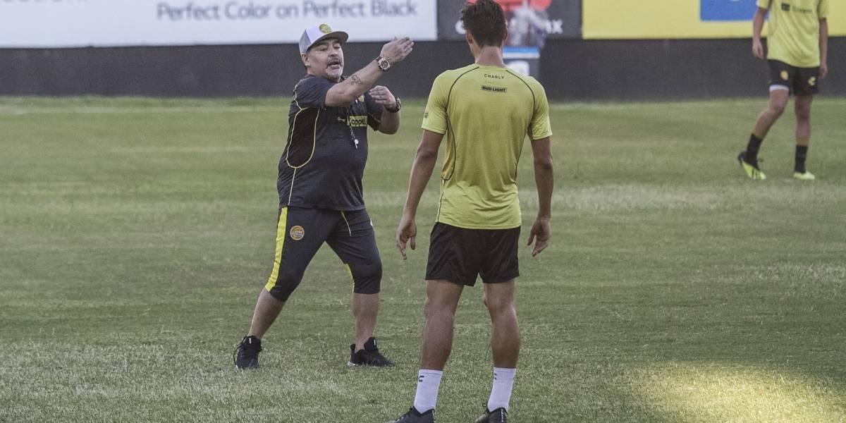 VIDEO: Jugador de Dorados revela qué hace Maradona en los entrenamientos