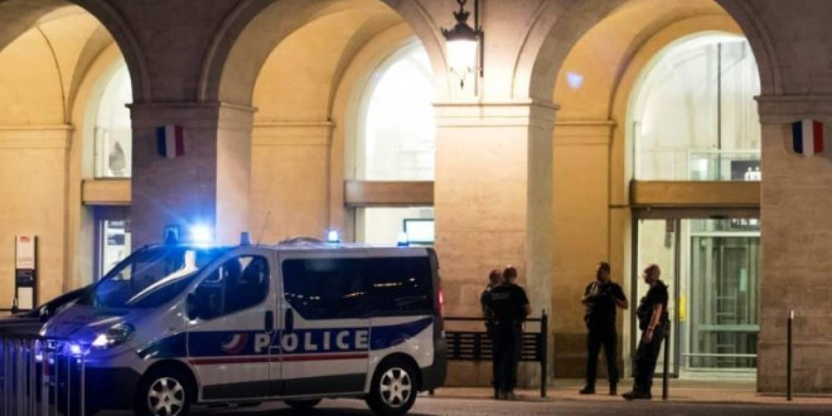 Dos heridos por un vehículo que embistió a varios peatones en Francia