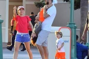 Shakira de vacaciones con su familia