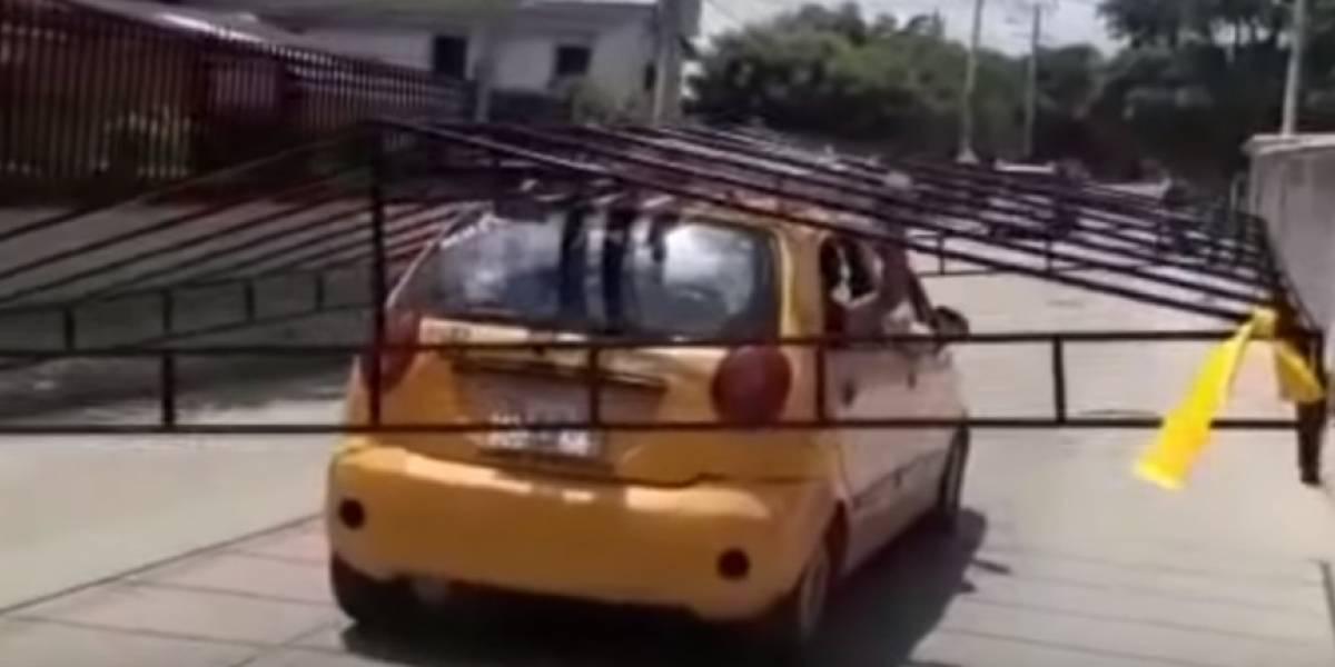 La imprudencia de este taxista fue multada en Barranquilla