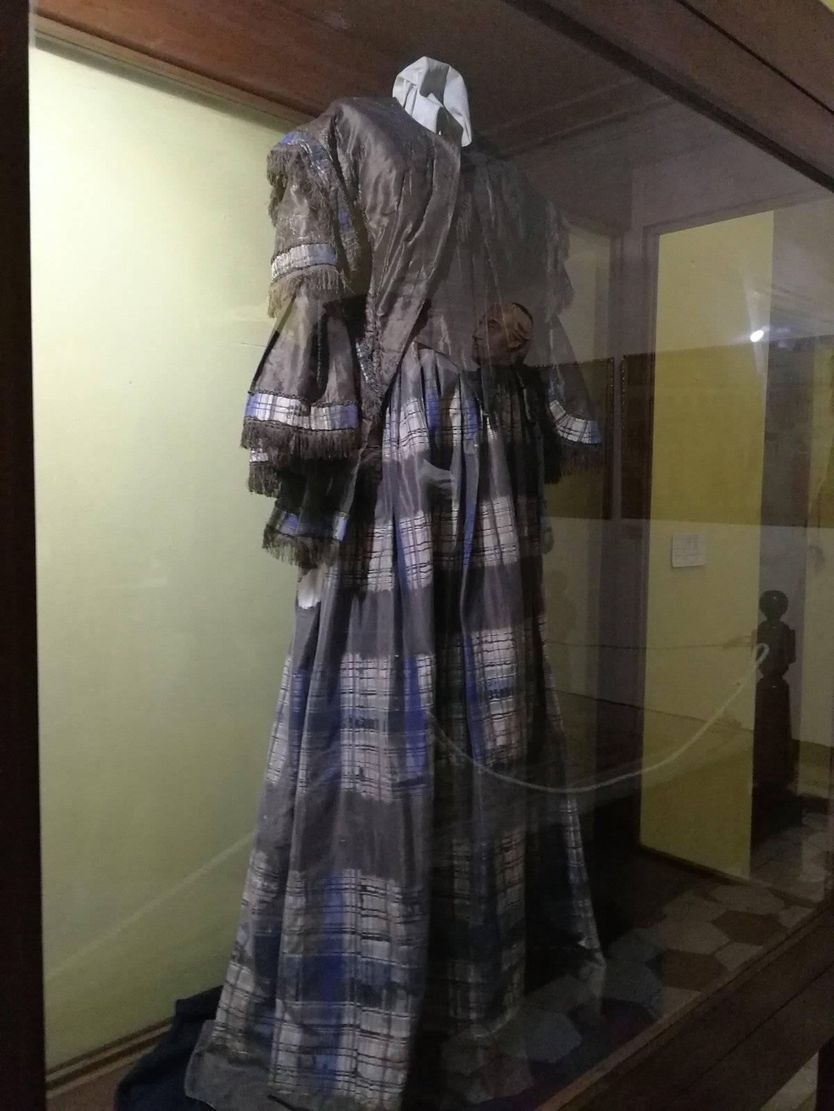 Vestido María Dolores Bedoya de Molina