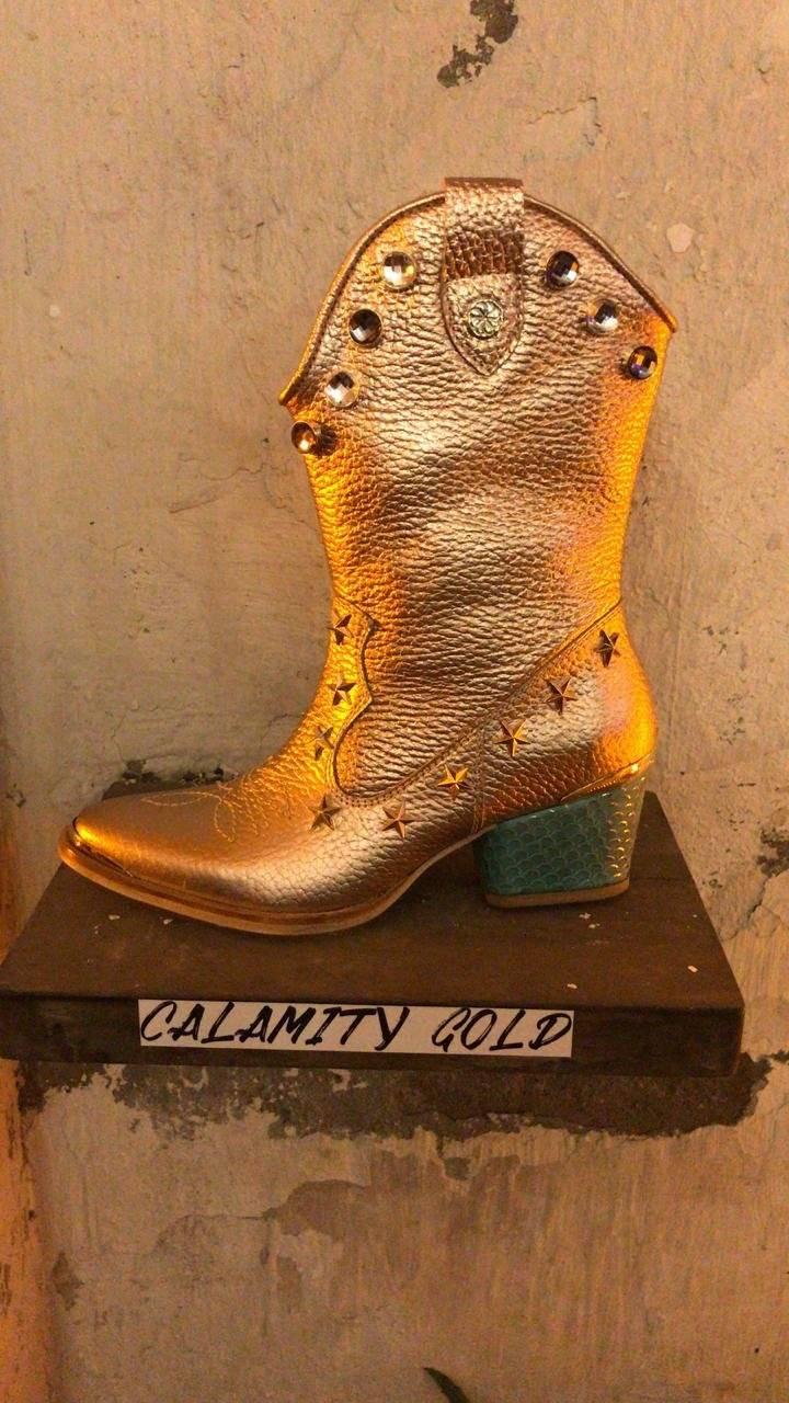 Kel Calderón lanzó su nueva colección de zapatos para Javiera Poch Nueva Mujer