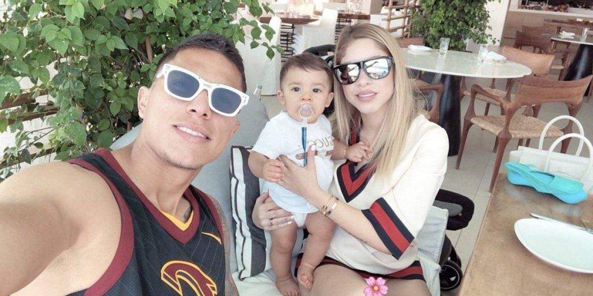 VIDEO: Carlos Salcedo se rehabilita con su hijo en manos