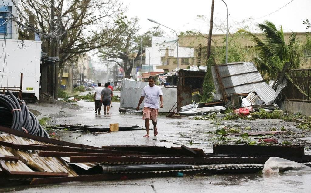 La terminal del aeropuerto de Tuguegarao presentaba daños importantes. Foto: AP