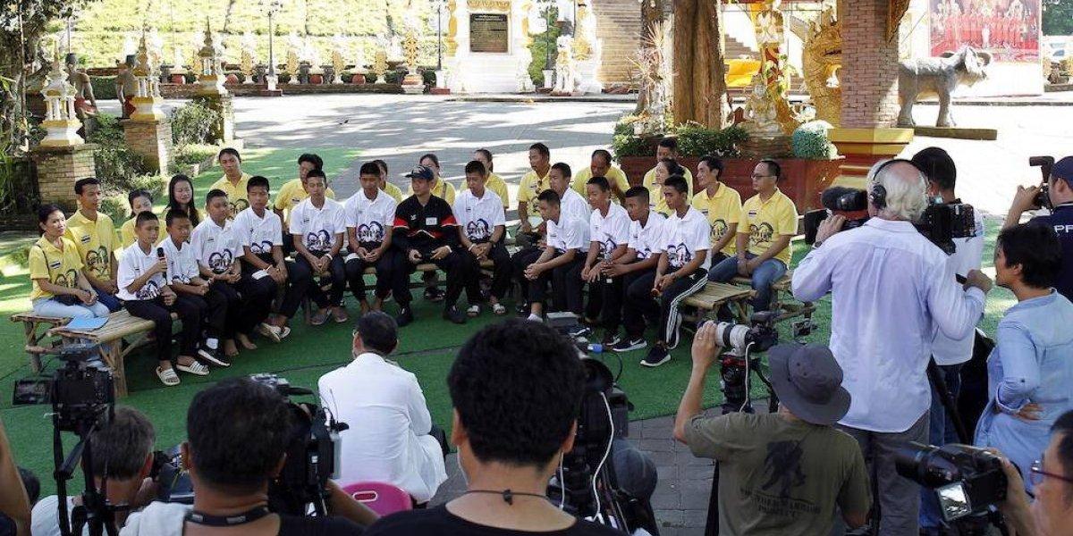Barcelona regala jerseys a niños tailandeses rescatados de una cueva