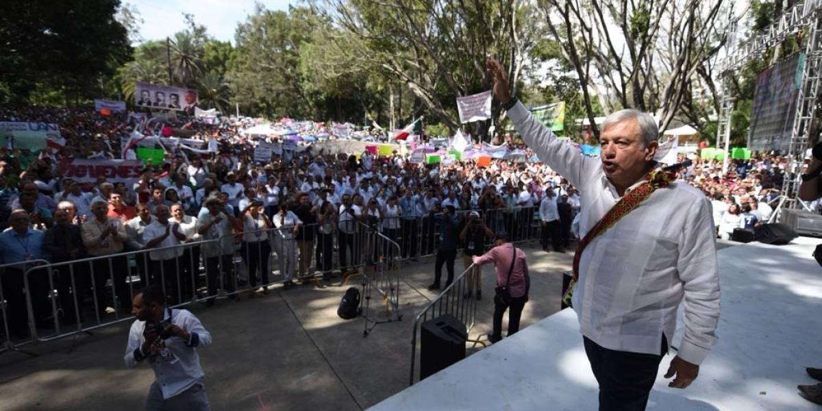 AMLO promete la creación de dos universidades en Nayarit