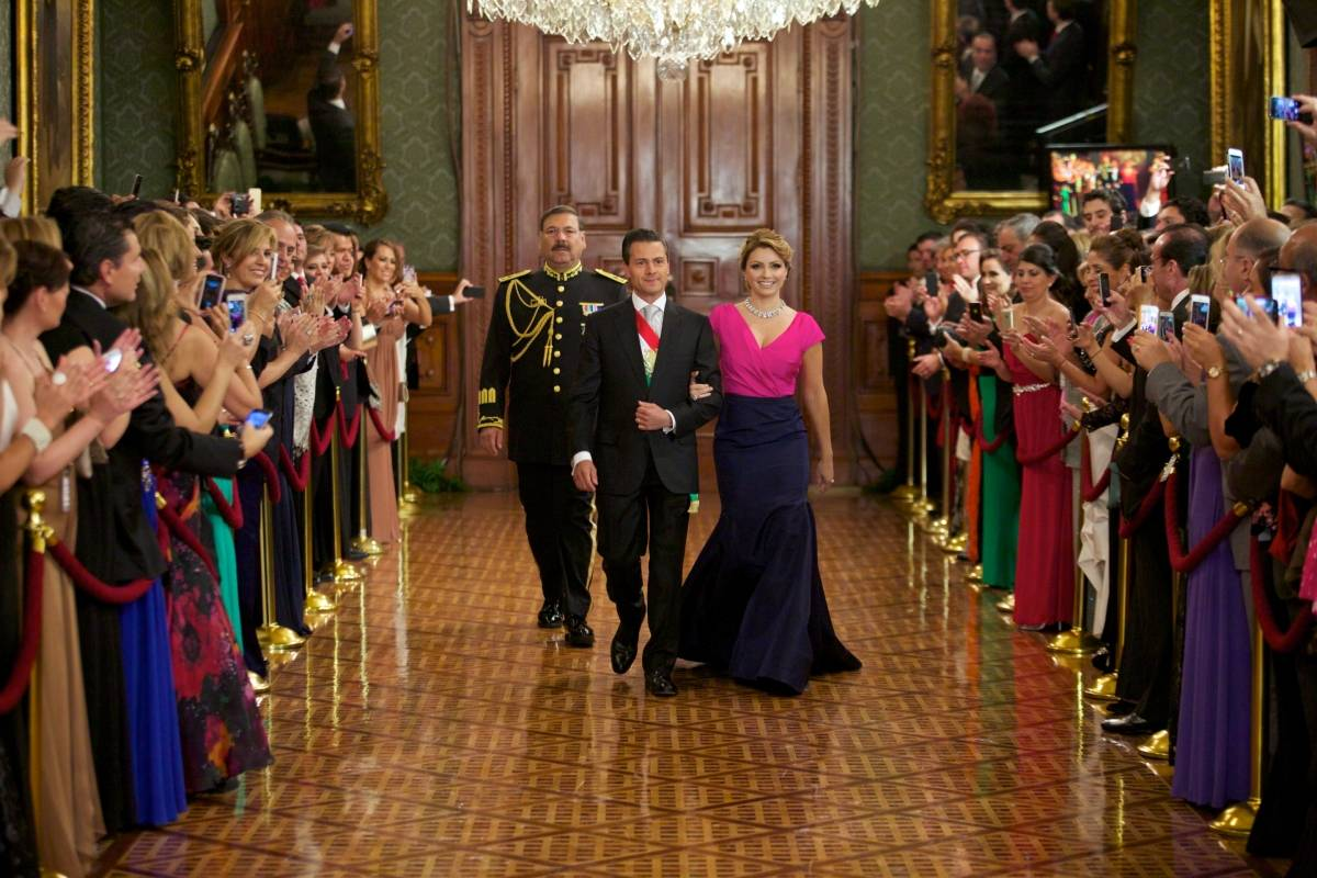En 2014, la primera dama optó por un vestido de Óscar de la Renta Presidencia de la República