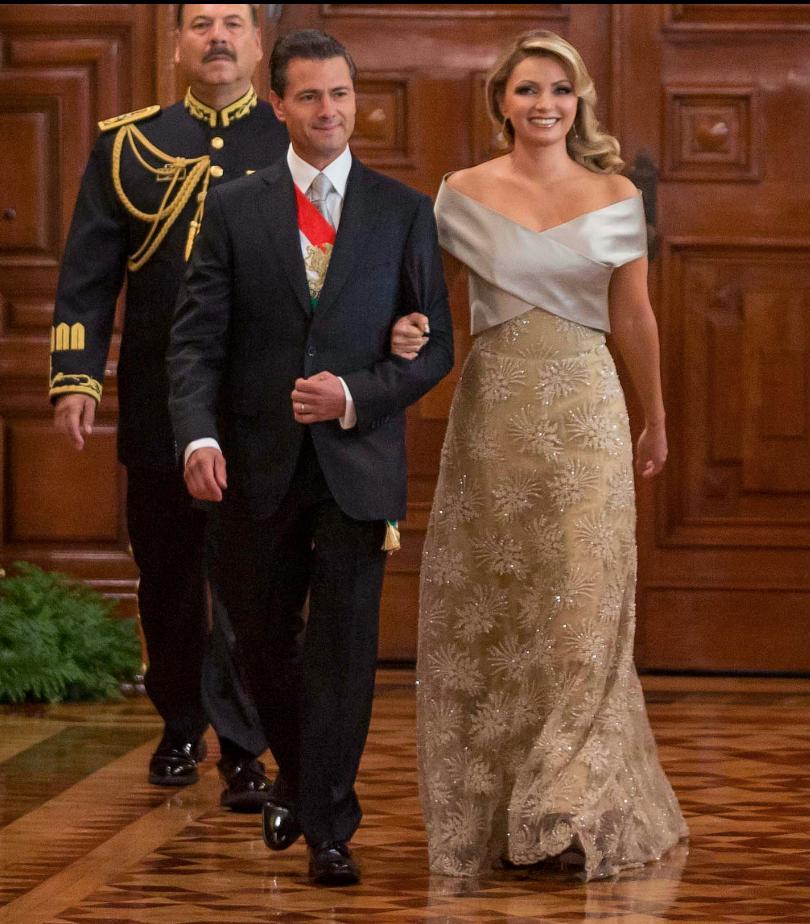 Angélica Rivera en 2015 usó un vestido del diseñador mexicano Alejandro Carlín Presidencia de la República