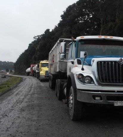 Camiones de desechos de salmón