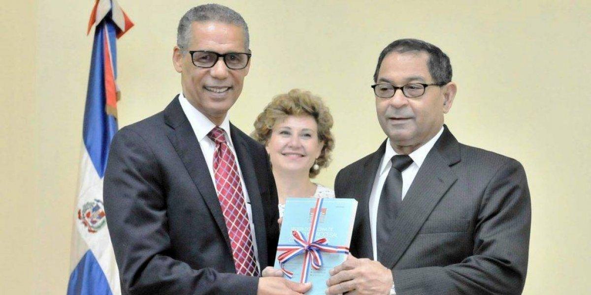 Ponen en circulación el tercer número de la revista dominicana de Derecho Procesal Constitucional