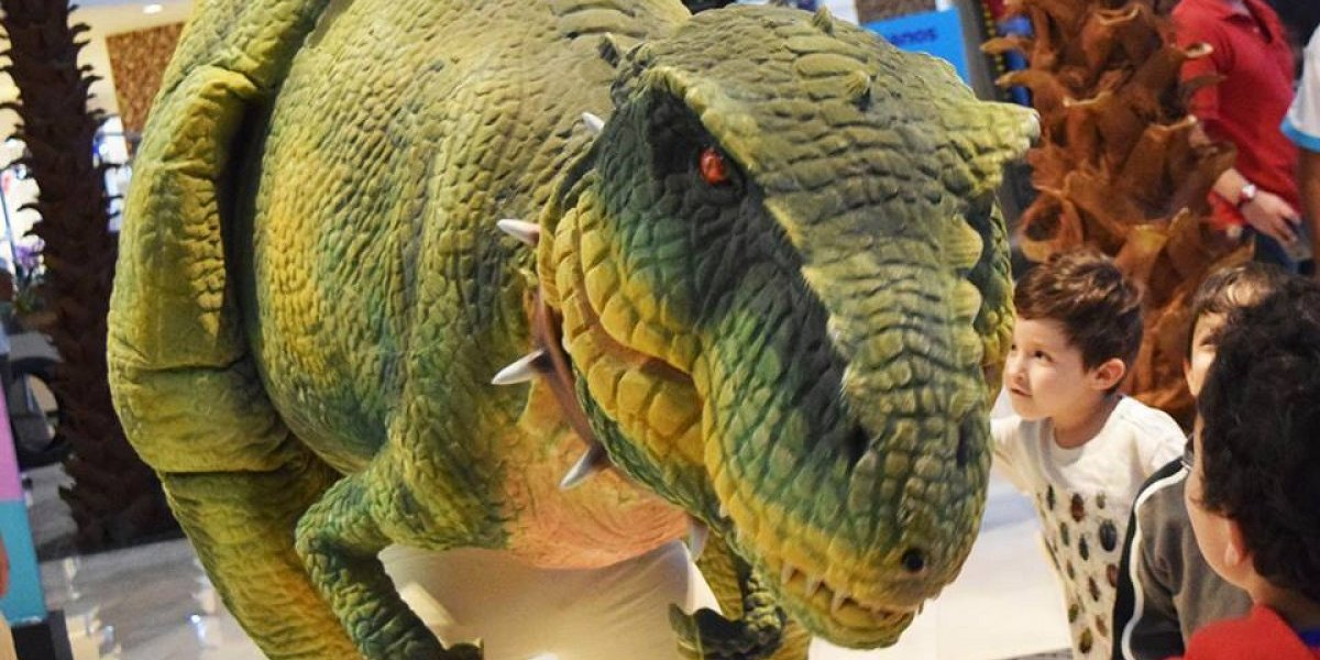 Conoce de cerca a estos dinosaurios en La Pradera
