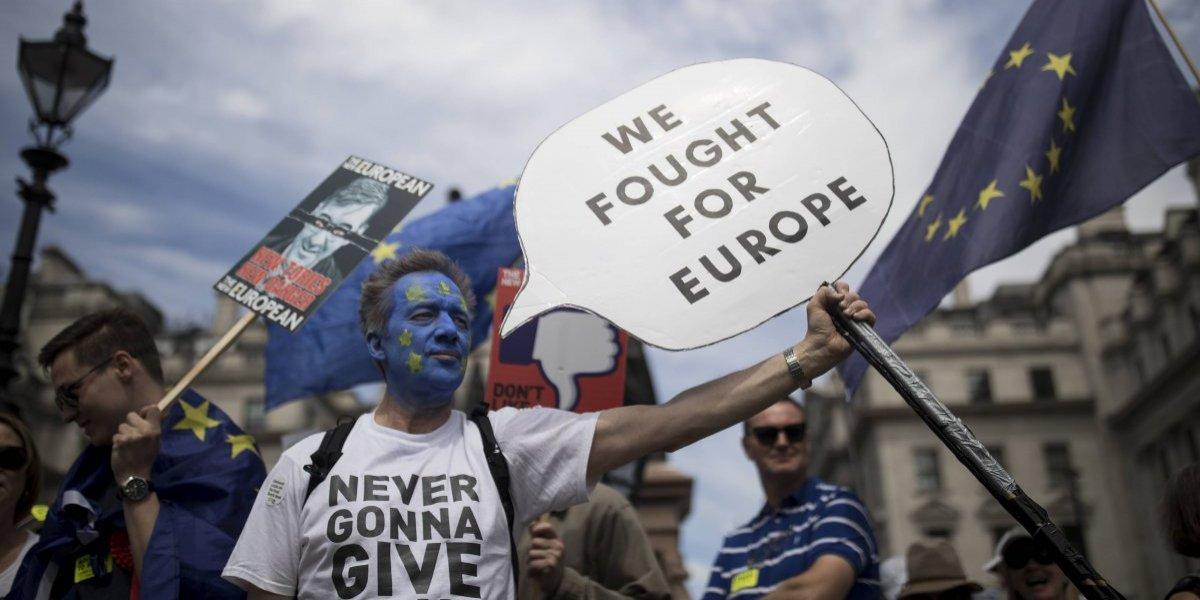 Reino Unido lucha por alcanzar el acuerdo Brexit