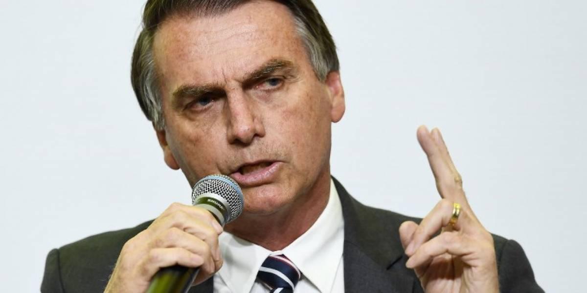 Sale de cuidados intensivos el candidato brasileñoapuñalado enpleno mitin