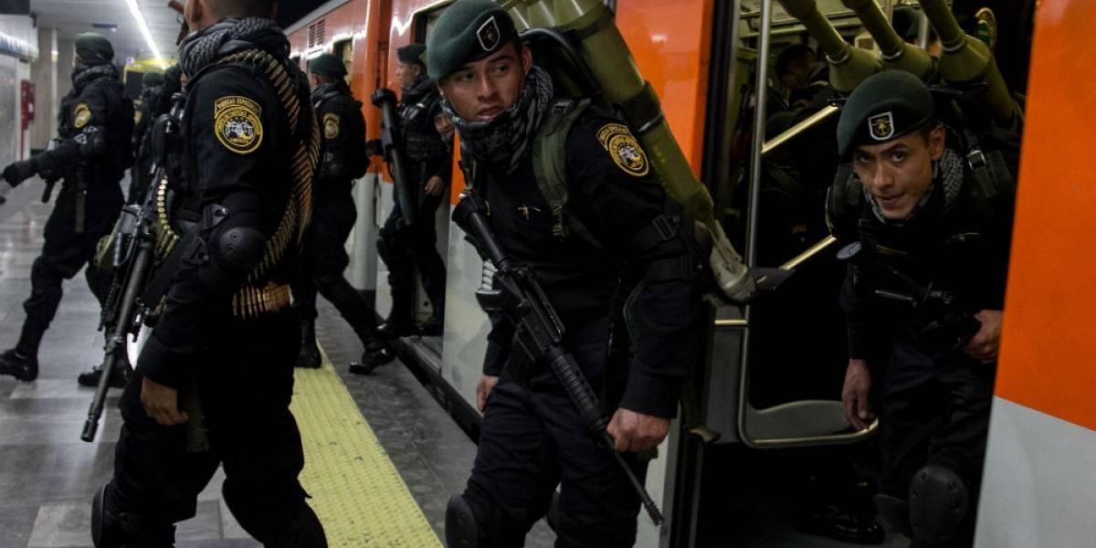 FOTOS: Así llegaron marinos y soldados al Zócalo para el Desfile Militar
