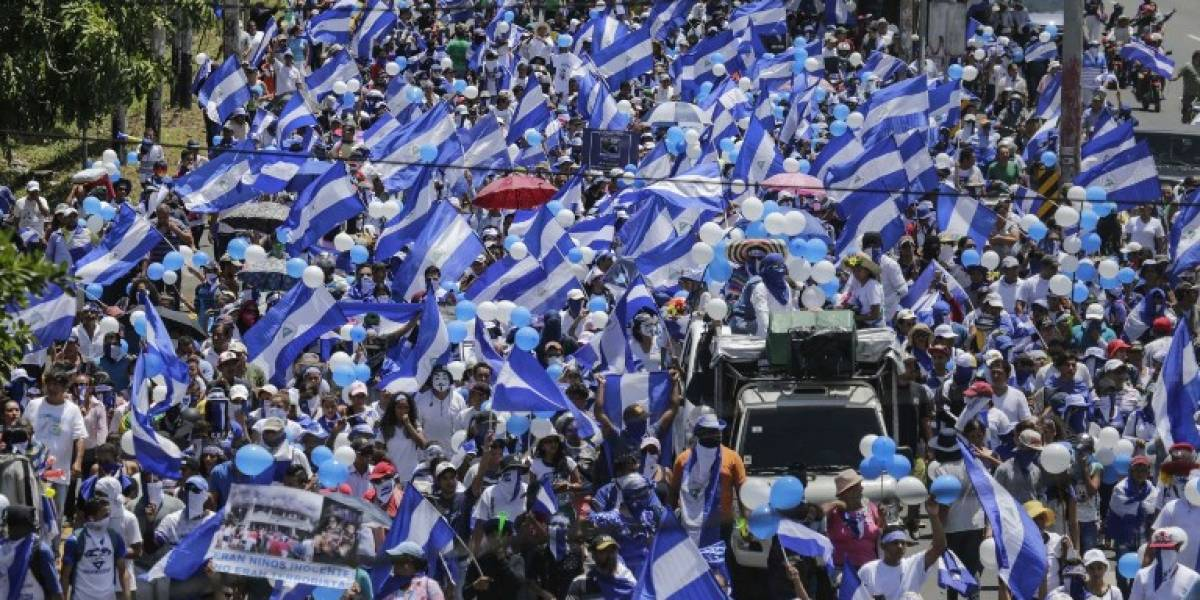 EN IMÁGENES. Miles piden salida de Ortega en masiva protesta en Nicaragua