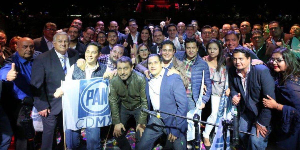 PAN celebra 79 años en el Ángel de la Independencia