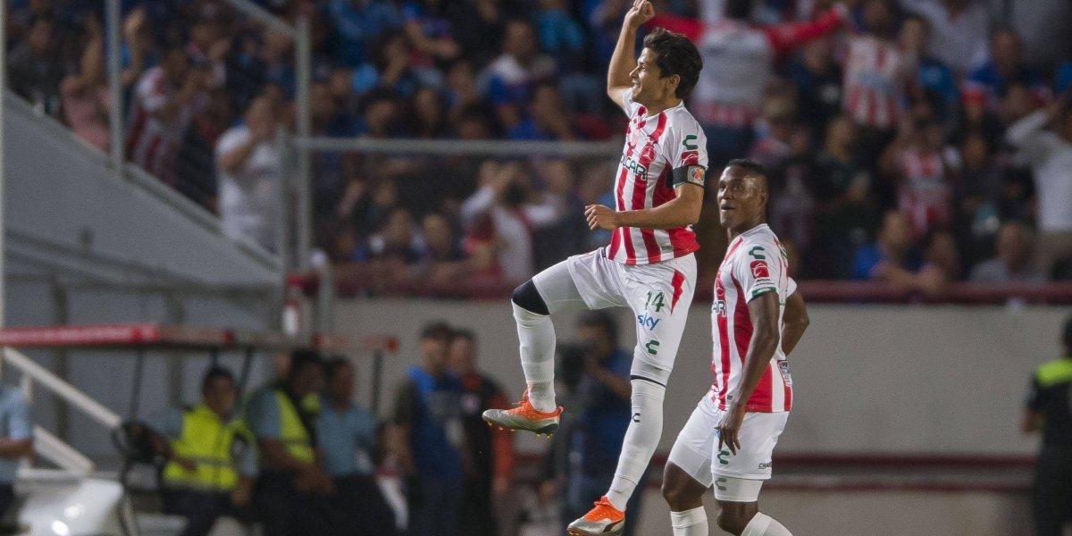 Matías Fernández y Víctor Dávila brillaron en México y le dieron la victoria al Necaxa sobre el líder Cruz Azul