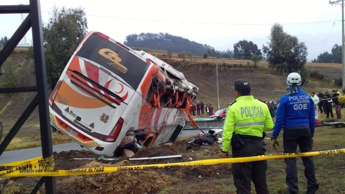 Tragedia deja cinco fallecidos en la vía a Colta