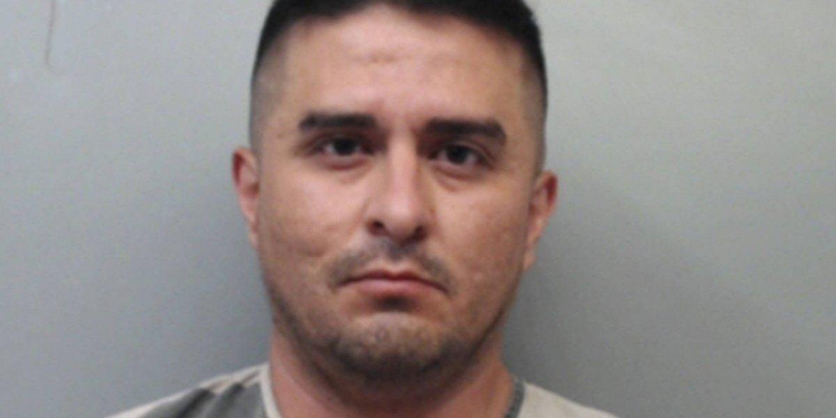 Sigue preso agente fronterizo acusado de matar a cuatro mujeres