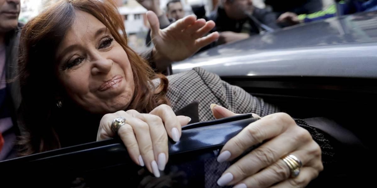 Juez procesa a Cristina Fernández por corrupción