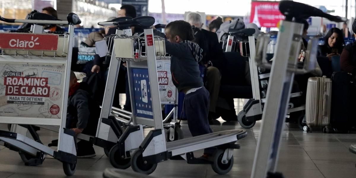 ¿Necesario?: Sernac evalúa abrir una oficina en el Aeropuerto Internacional de Santiago