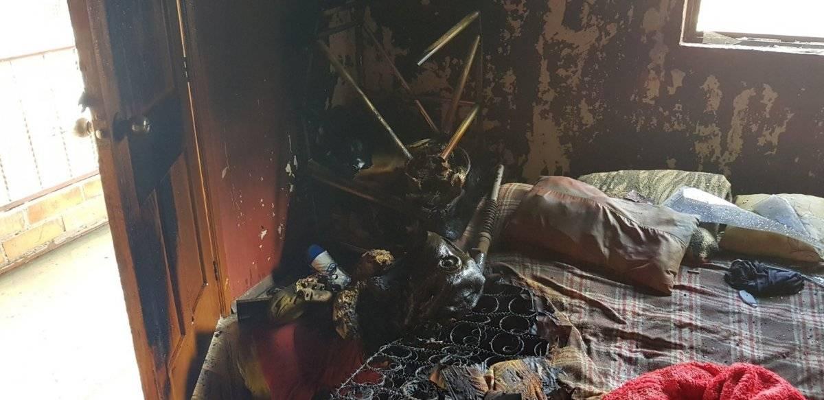 Así quedó la habitación del incendio estructural en Cuenca