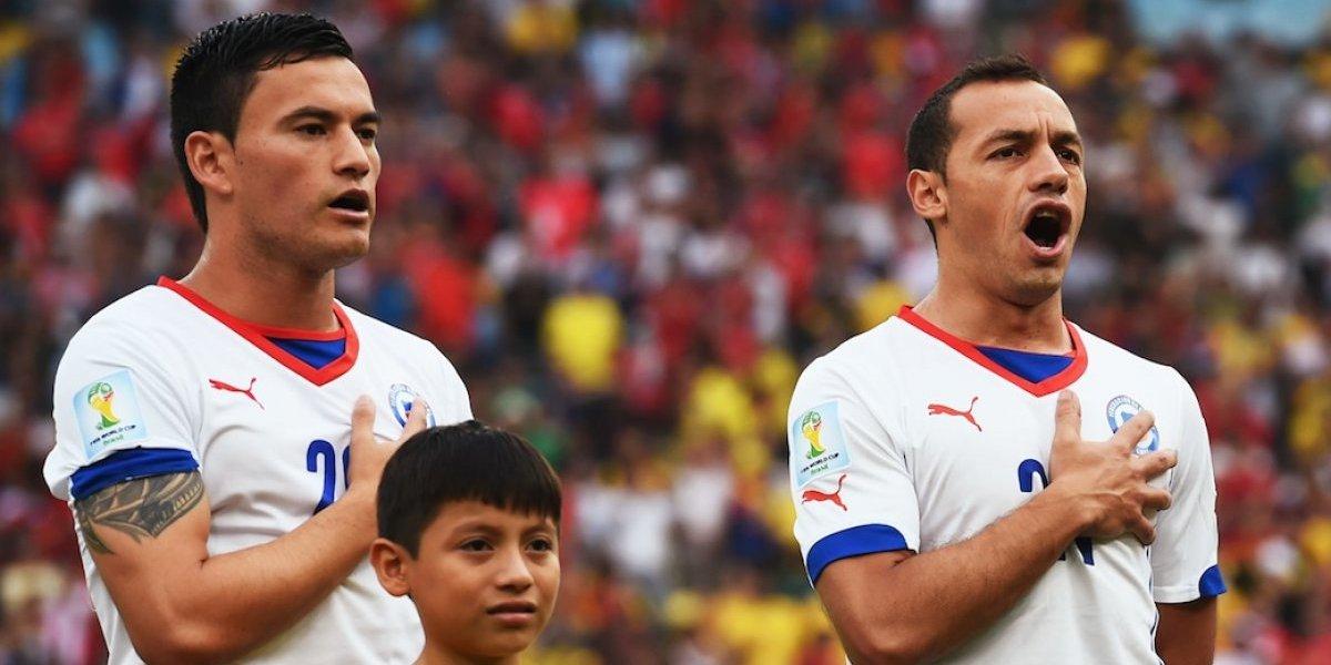 Dupla de oro: Marcelo Díaz y Charles Aránguiz celebran las Fiestas Patrias usando las camisetas de ambos